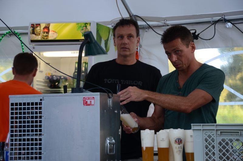 40-Jahr-Jubiläums-Feier SKG Stockstadt Tennis - Das Bier läuft noch immer...