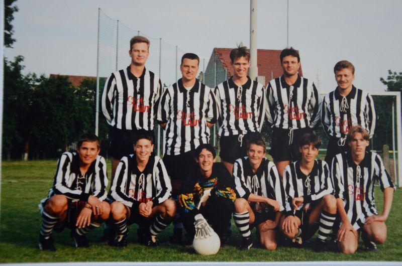 Ortsmeister 1995: ?, ?, Timo Langenfelder, Heiko Gabel, Thomas Diehl, ?, ?, ?, ?, ?
