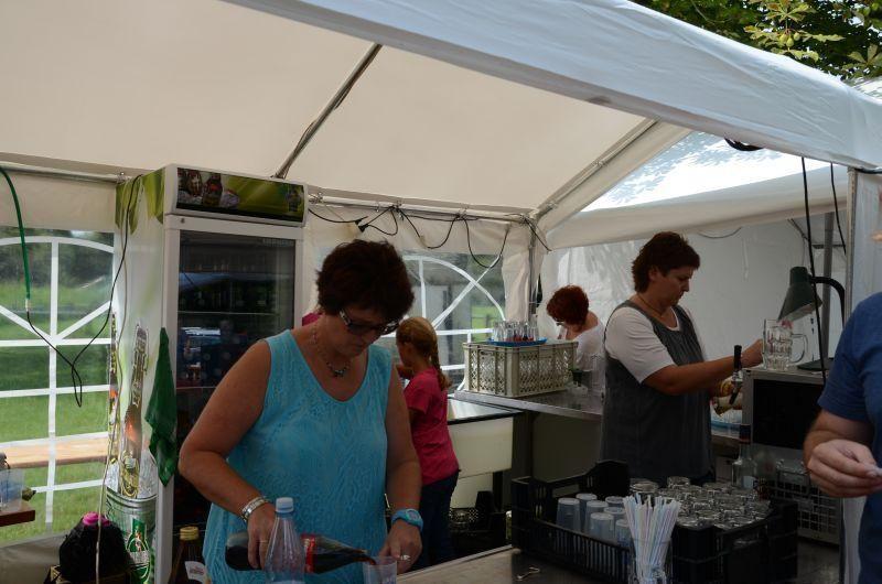 40-Jahr-Jubiläums-Feier SKG Stockstadt Tennis - die Getränketheke