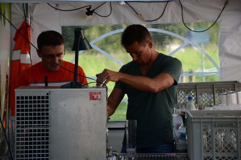 40-Jahr-Jubiläums-Feier SKG Stockstadt Tennis - Das Bier läuft...