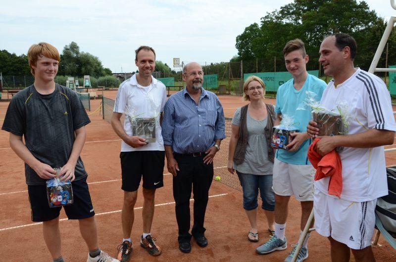 40-Jahr-Jubiläums-Feier SKG Stockstadt Tennis - Match gespielt...