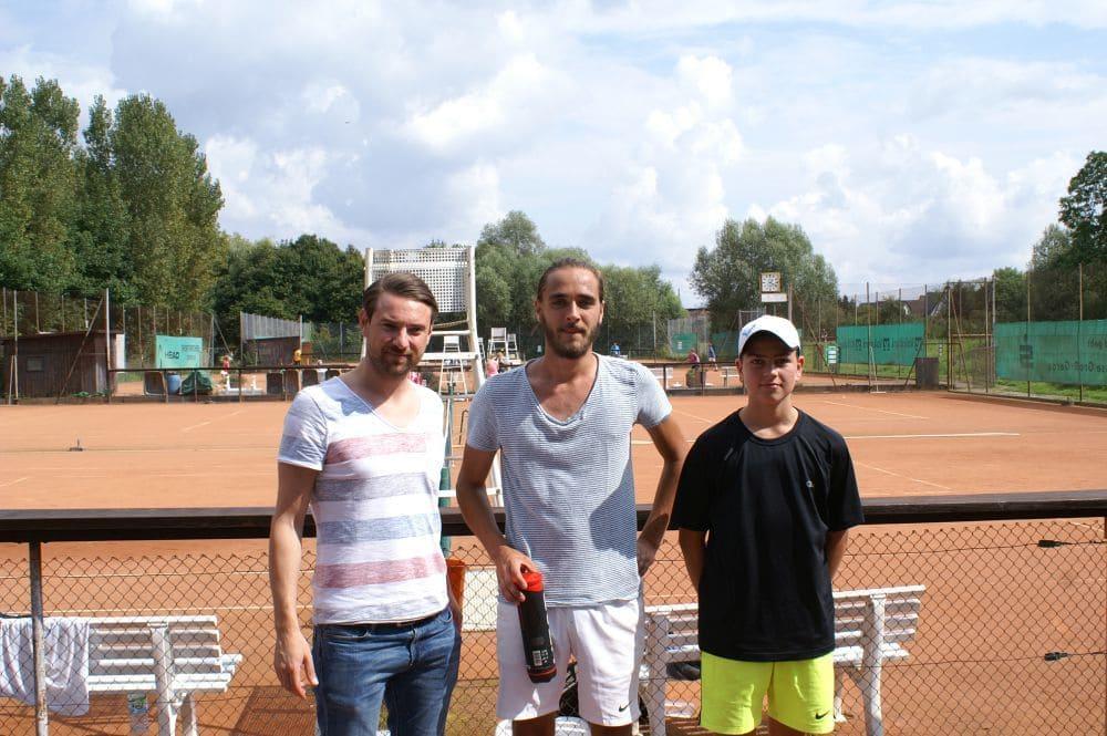 Herren Gruppe 8 - Sieger Jan Herbach (Mitte), Zweitplatzierter Titus Mehwald (rechts)