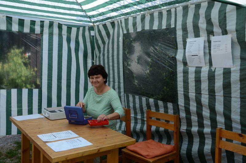 40-Jahr-Jubiläums-Feier SKG Stockstadt Tennis - Christina von Ameln an der Bonkasse