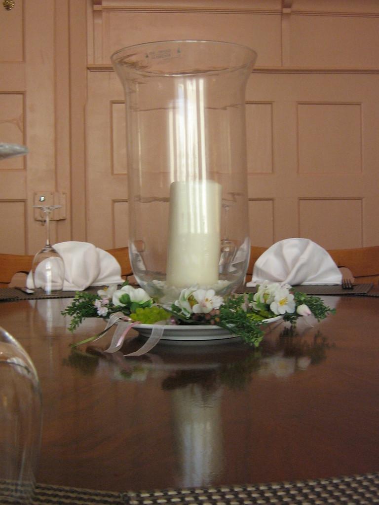 Nebenzimmer Tisch Kerze