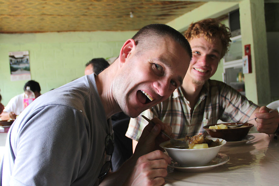 Pingo, Kaspar und leckere Schweinefuss-Suppe