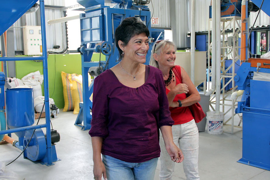 Ena Galetti (Kaffeexporteurin in Quito) und Verena Blaser (Kaffeeproduzentin aus La Perla)