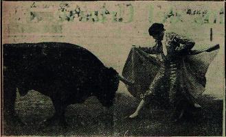 Marcial Lalanda toreando a la mariposa en la Plaza de toros de Sevilla en mayo de 1924