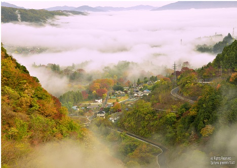 佳作 「紅葉と雲海」 木之下 正美 秩父市