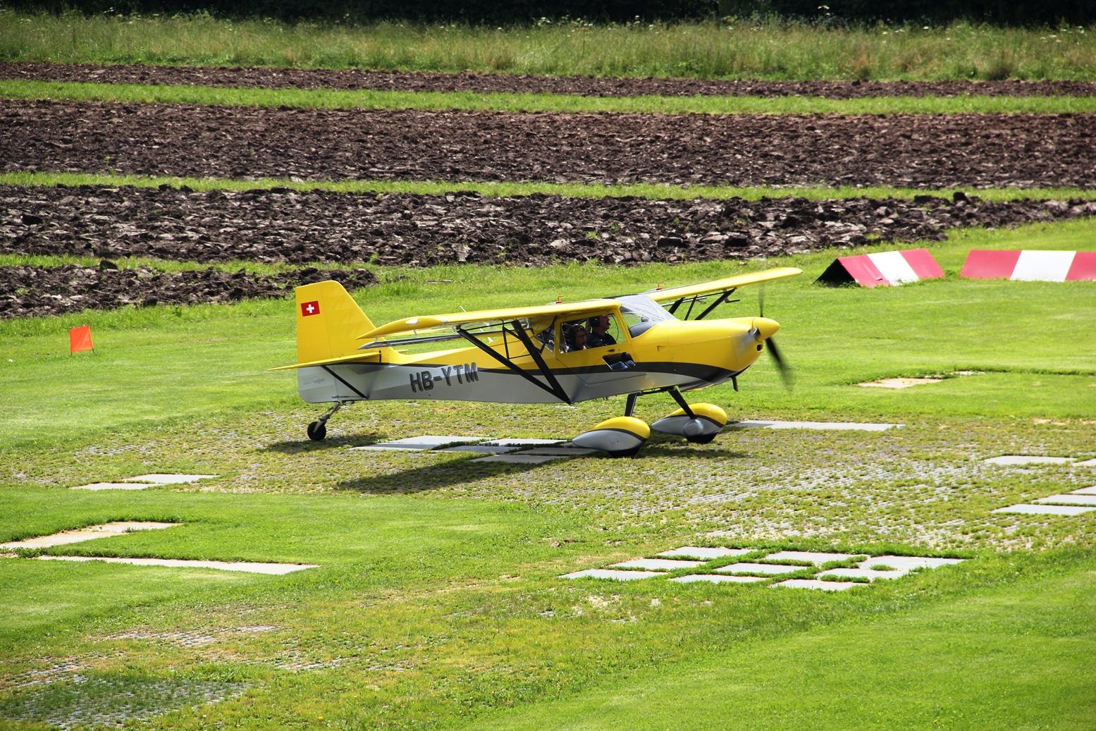 Yellow Fox kurz vor dem Start Piste 30, Foto GJ