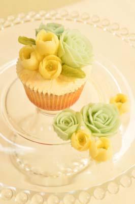 ホワイトデーカップケーキ
