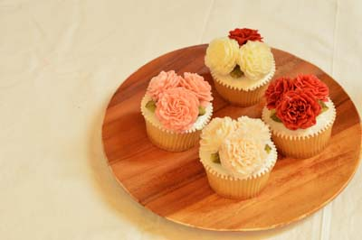 母の日ワークショップ用カーネーションカップケーキ