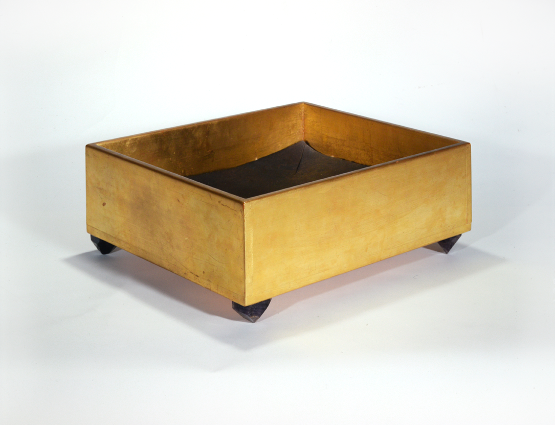 """Crate"" 1974, wood, sheet metal, amethyst, 19 x 48,5 x 43 - Collection Döhmen, Viersen, Germany - Photo Hadler/Stuhr"