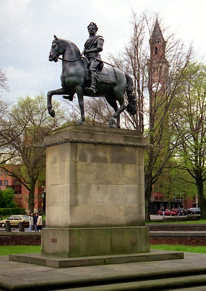Statue of King George I in Edgbaston Park Road, outside the Barber Institute of Fine Arts.  The statue was made in 1722 end erected in Dublin.  It was no longer popular after Irish independence and was bought in the 1930s for the university by Sir Thomas