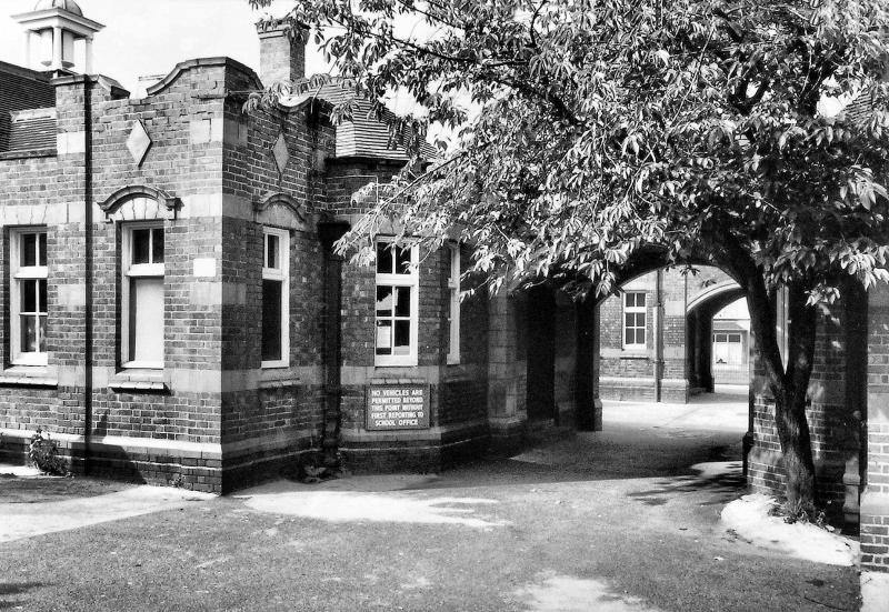 Canterbury Cross School.Image courtesy of Keith Berry. All Rights Reserved - see Acknowledgements for a direct link to that site.