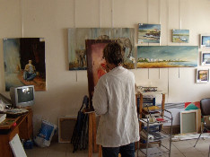 Claudine dans son atelier