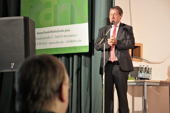 Landrat Achim Schwickert hält die Festrede.