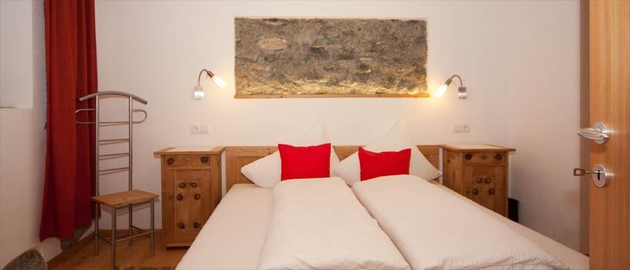 camera da letto negli appartamenti Kaser a Rio Bianco - Sudtirolo