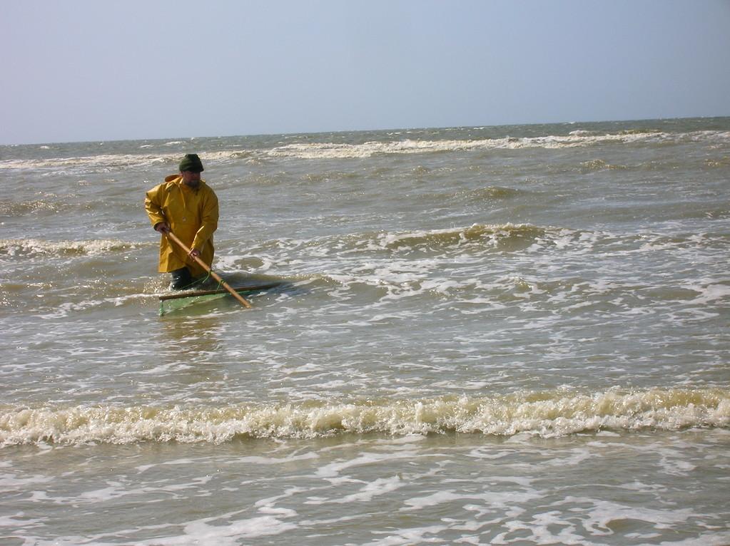 Le Pousseux dans les vagues