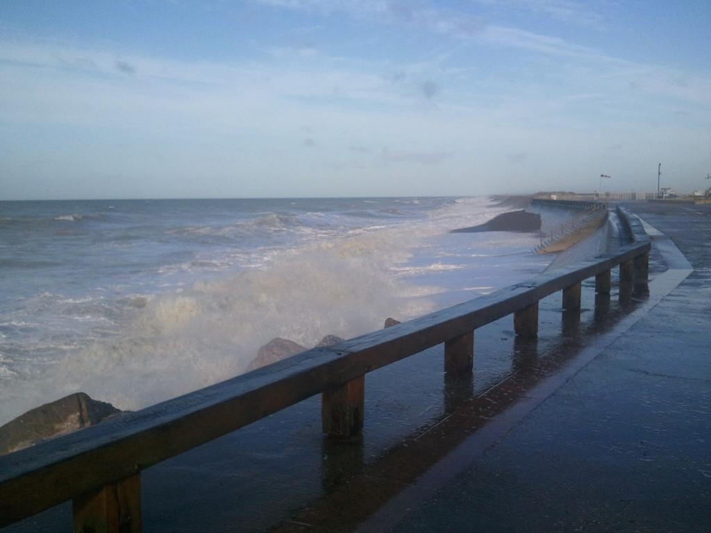 L'Esplanade plage-Nord côté cordon de galets