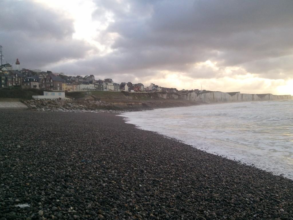 La plage Nord, Ault, les Falaises