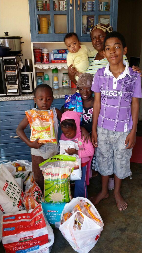 Food Parcel im Angels Hope