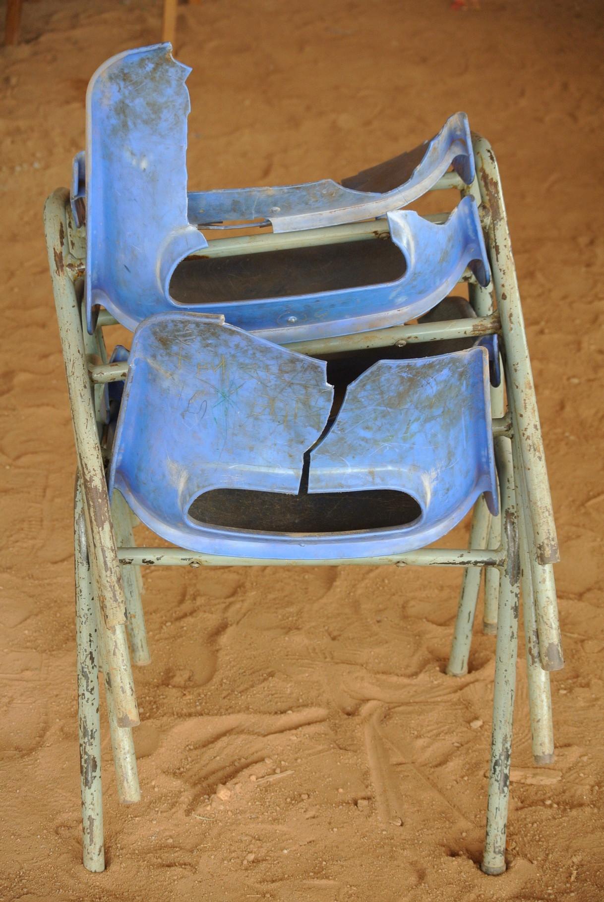 Kaputte Stühle
