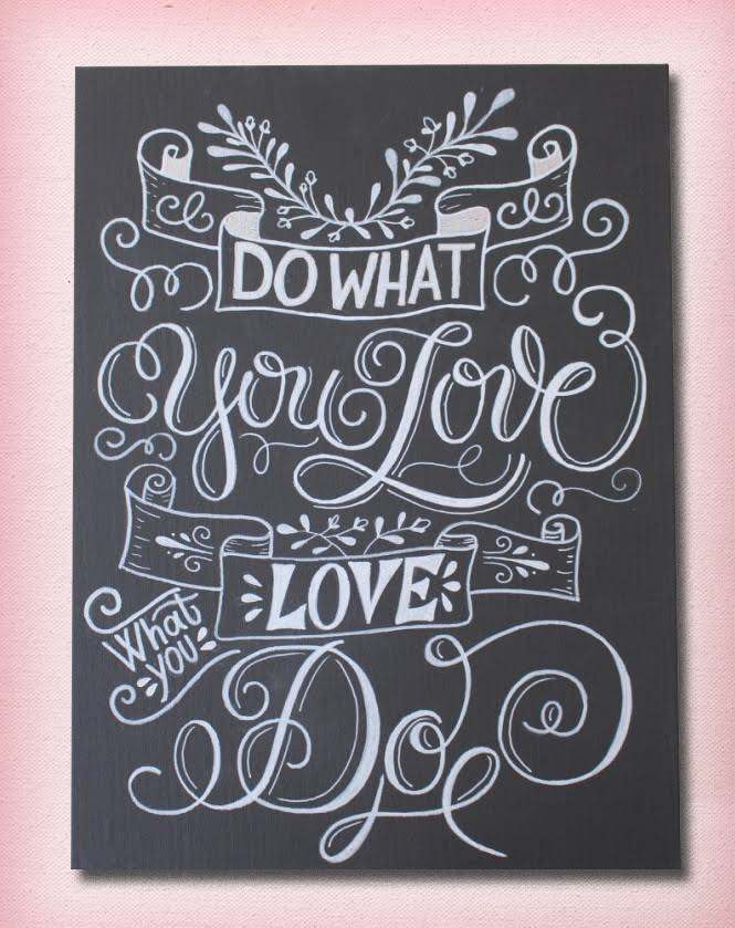"Handlettering Anleitung für ein Chalk-Lettering auf Leinwand - Letter Lovers sandra_graphics mit dem Lettering ""Do What you love - love what you do"""