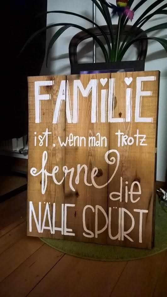 Letter Lovers st__ee: Handlettering Schild Familie ist, wenn man trotzt Ferne die Nähe spürt