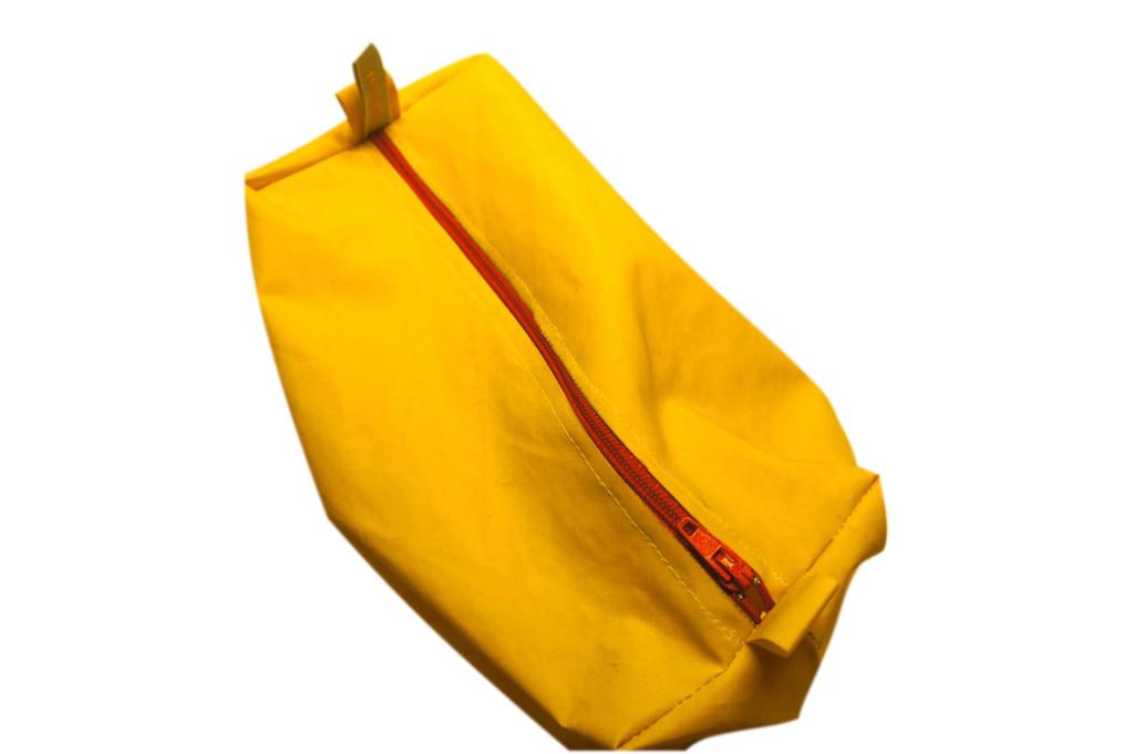 tascherl aus gebrauchtem regenmantel, 20x9x10cm