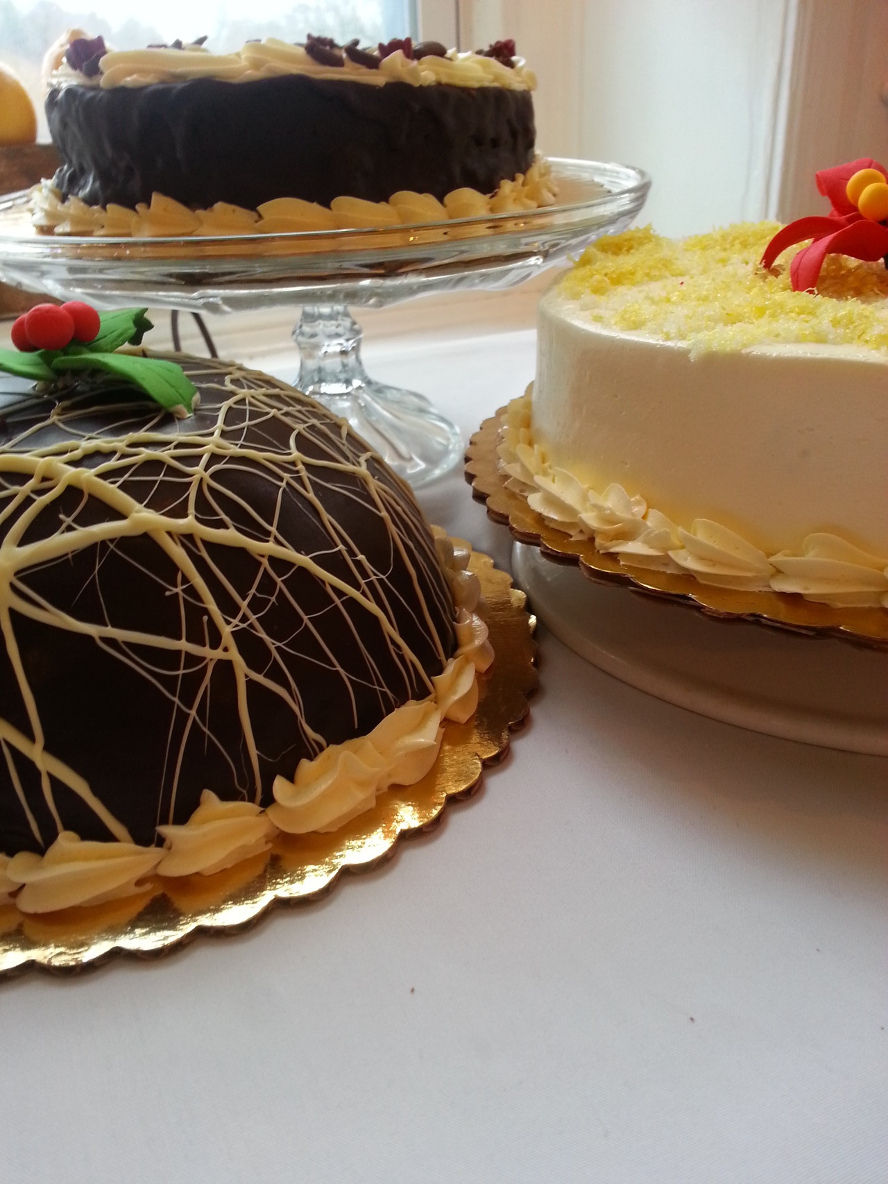 Buche De Noel Cafe holiday orders - zakes cafe