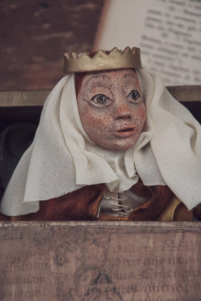 Bambola ritratto di Matilde di Canossa