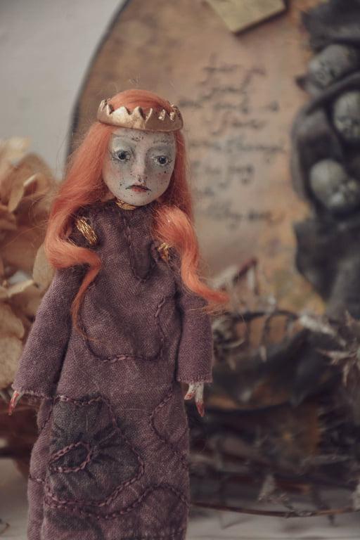 Little doll inspired by Lady Macbeth
