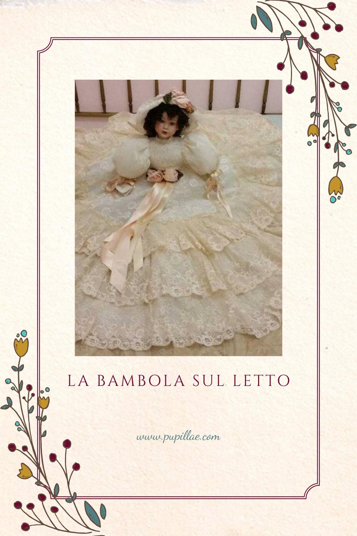 La bambola sul letto