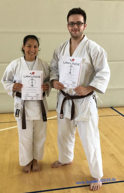 Daniela Look und Gerrit Driemel mit ihren Urkunden. Gratulation!