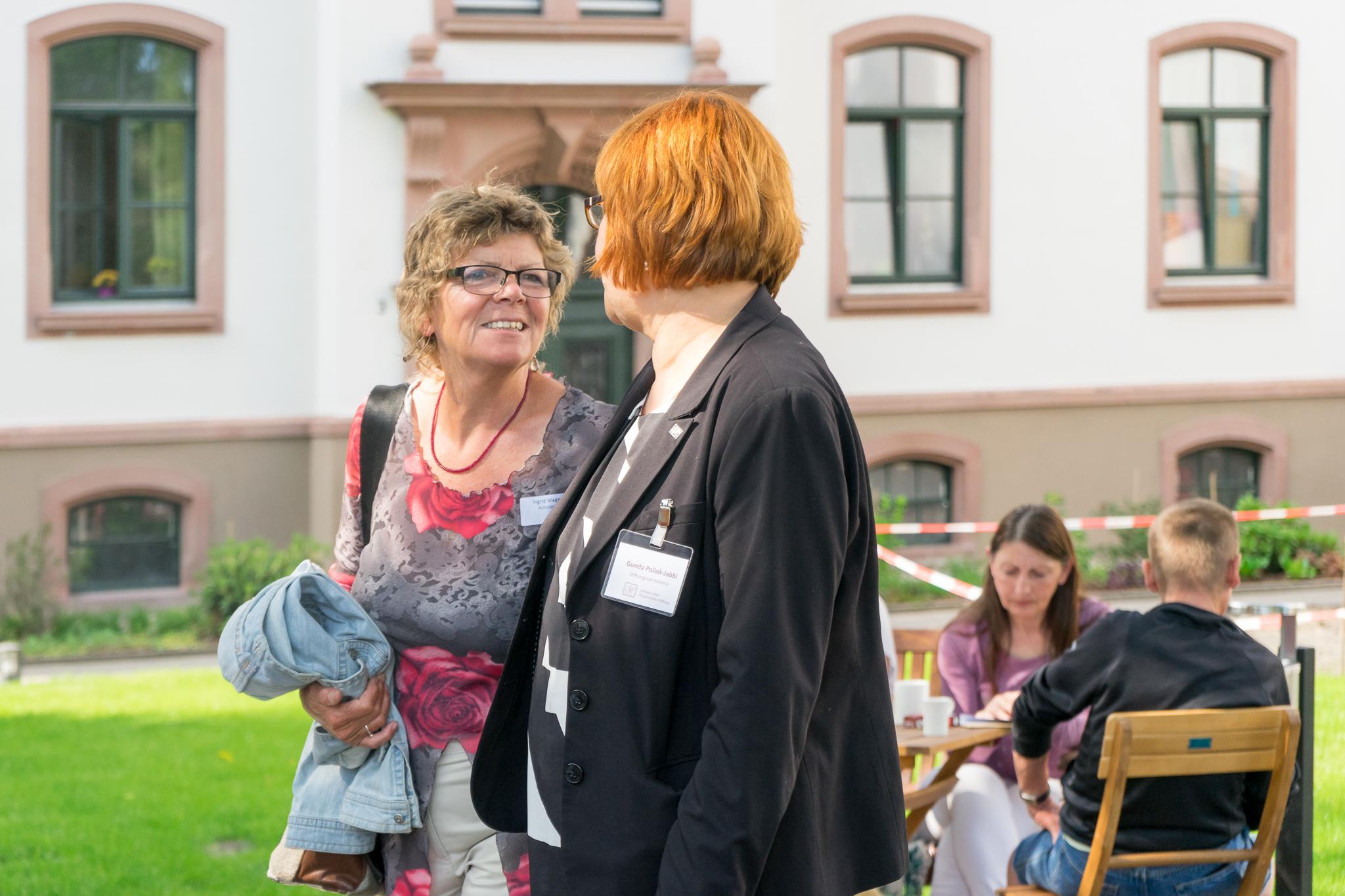 Ingrid Wagemann und Gunda Pollok-Jabbi