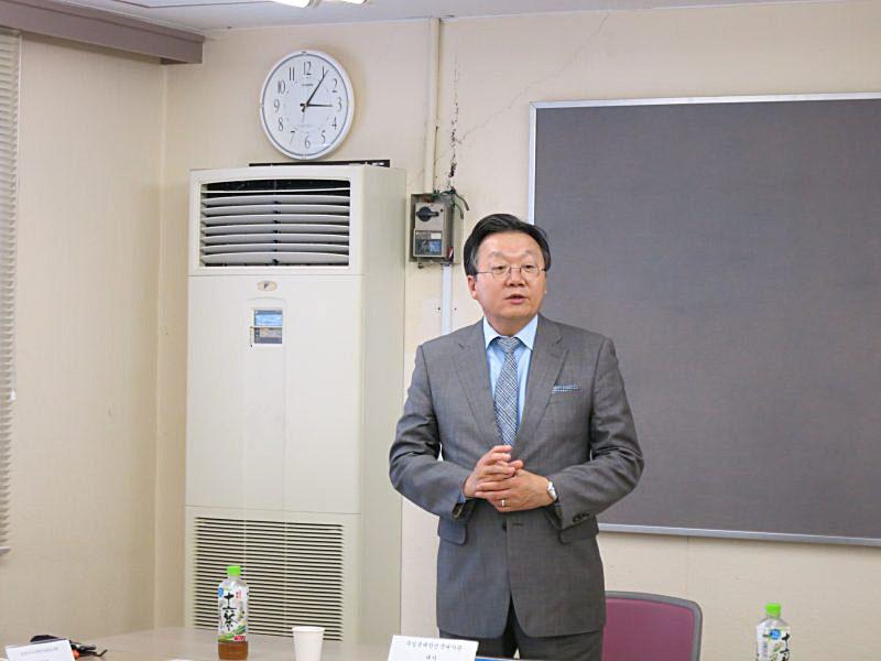 駐日本大韓民国大使館・李俊揆 特命全権大使 本院をご訪問