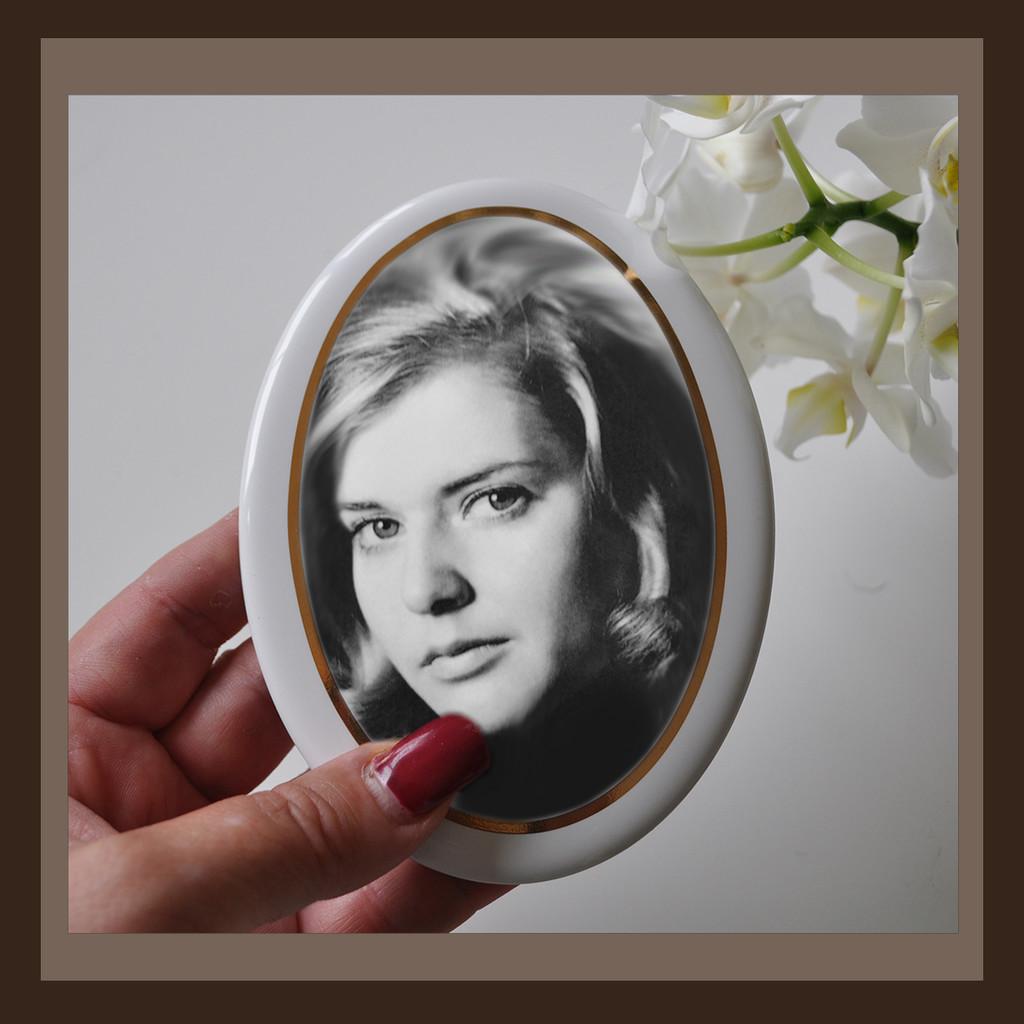 Grabbild / GOLD-Rand schmal / schwarz-weiß / oval - Porzellanbild ...