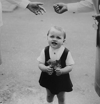 47,30x46,50cm,  Girl with Candies, Vilnius 1974