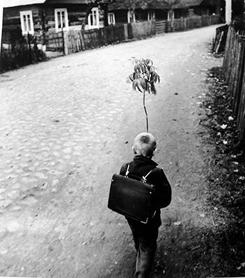 46,10x50,80cm, Village Street 7, Dzukija 1969