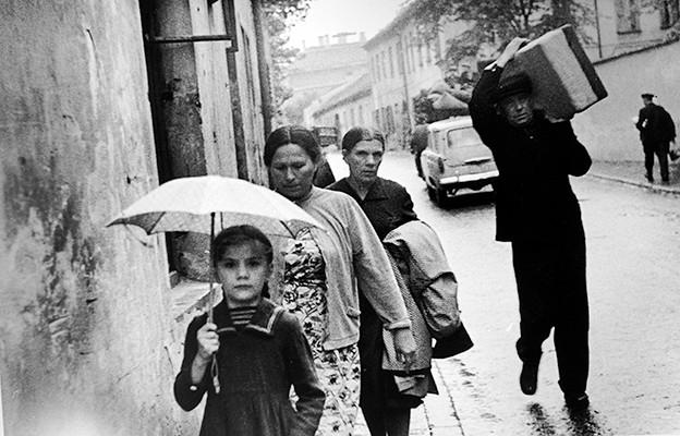 47,60x31,70cm, Rain, Vilnius 1969