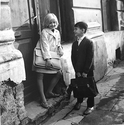36,80x37,30cm, Waiting before the school lessons, Vilnius 1968