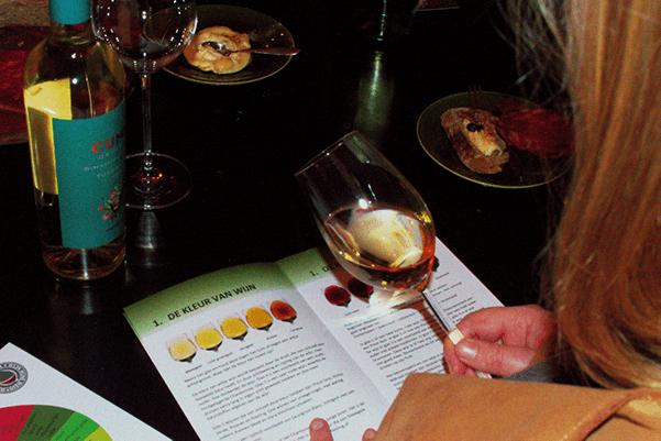 Hoe organiseer je zelf een wijnproeverij?