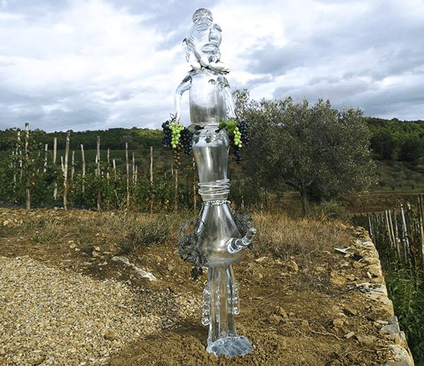 Standbeeld Cosimo in wijngaard Tenuta Casenuove