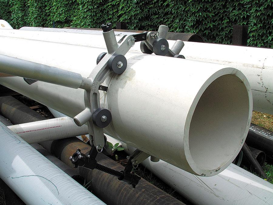 Nach dem Messerwechsel  ist der PLAS auch für PVC-Rohre einsetzbar.