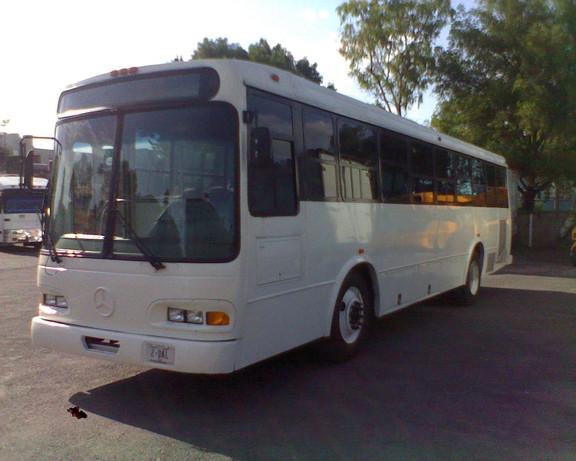 Transporte de escolar de personal y turismo en camiones y camionetas
