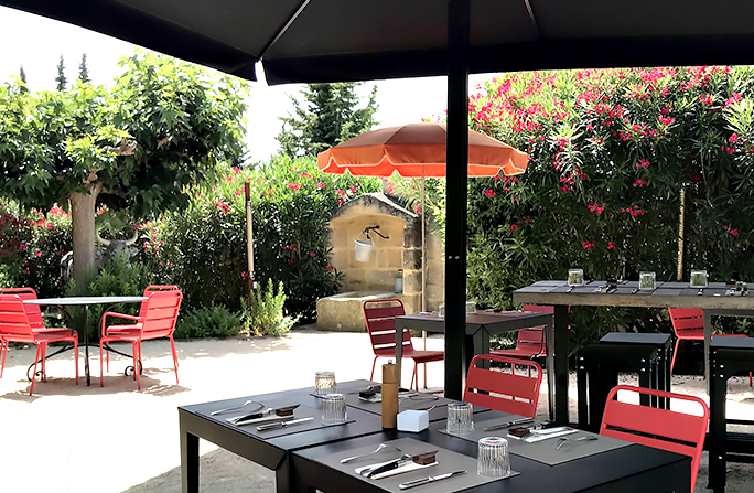 The Cantine du Hameau, noon 7J / 7 and brunch on Sunday at Paradou