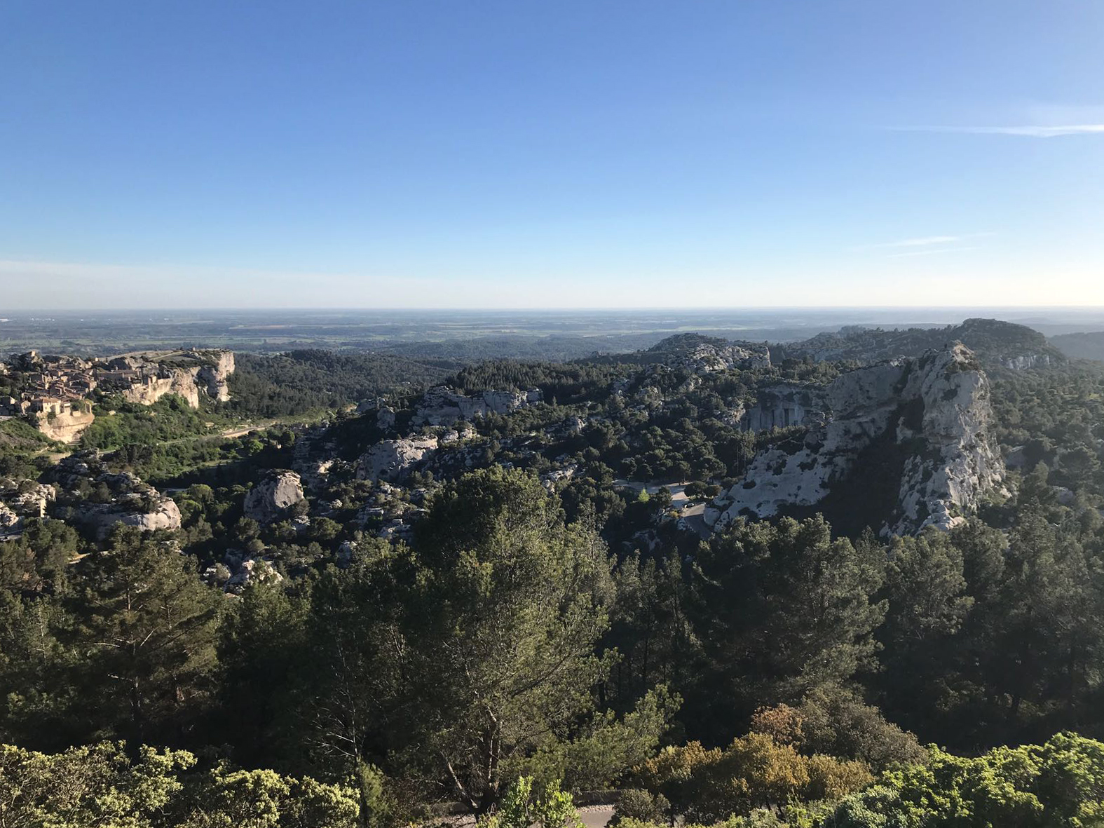 A hike in the Regional Natural Park of Alpilles
