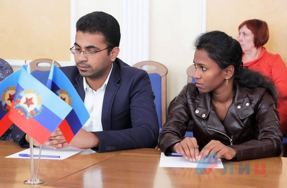 Zwei Vertreter aus Indien