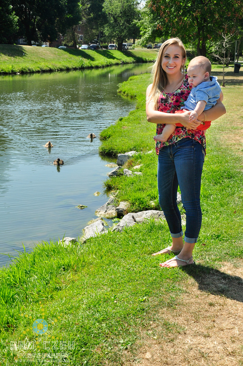 Beautiful mama and baby! Also: could not have paid those ducks for better timing
