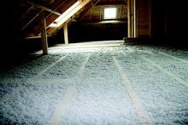 Isolation saine plancher en ouate de cellulose